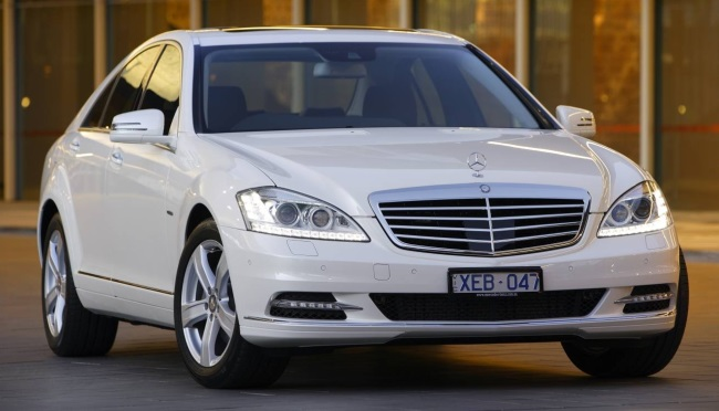2009 Mercedes S-Class Front Image